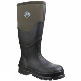Muck Boot The Chore 2K Boot from Muck Boots has helped hundreds of thousands of landowners and construction workers stay dry and comfortable for more than a decade. All Chore boots are rugged and come with a generous reflective pull-on tab.