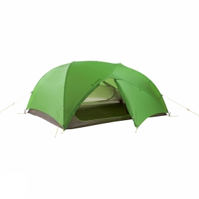 Vaude Panorama included! Extremely lightweight and wind-stable 3-season Invenio SUL 2P Tent for weight-watching trekkers, very quick and easy set up thanks to the inner-first construction. The pole arrangement in this 2-person tent creates a cubical interior with a variety of places with comfortable sitting height.A panoramic entrance on each side can be opened wide and allows for an unobstructed view of your surroundings. Other benefits include the opportunity to sleep crosswise and easy access to your gear.Both vestibules offer enough space for gear and are well-suited for cooking. Two fully adjustable vents ensure a pleasant microclimate when the entrances are closed. In warm, dry regions the inner tent can be used on its own - starry sky included!